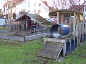 Zug und Spielhaus