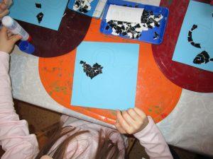 Die Vorschulkinder gastalten einen Kalender