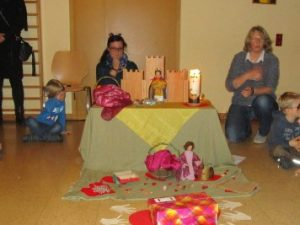 Wir feiern unser Elisabethfest mit einem kleinen Laternenumzug.