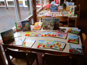 Einen ganz lieben Dank an alle Eltern, die für unsere Bücherei Bücher gespendet haben!